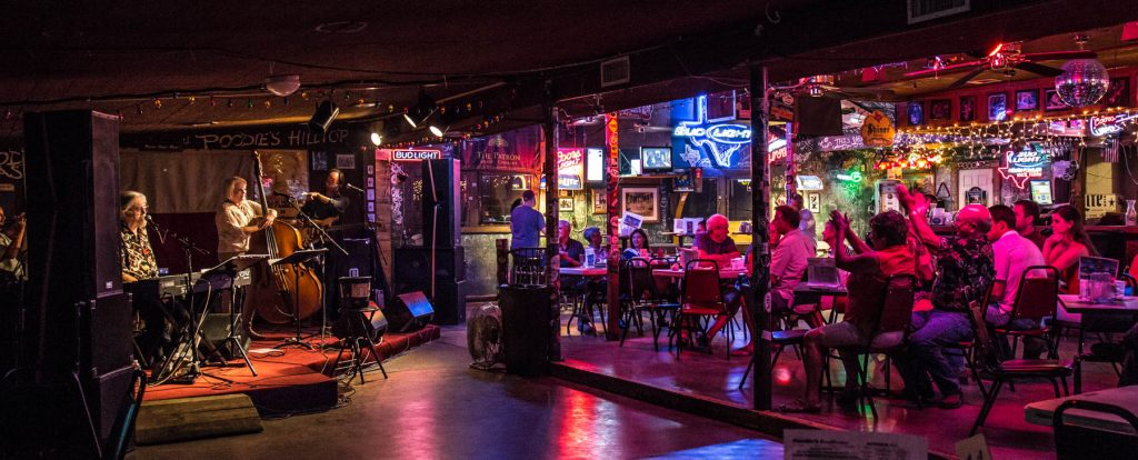 Poodie's Roadhouse - Lake Travis TX 03