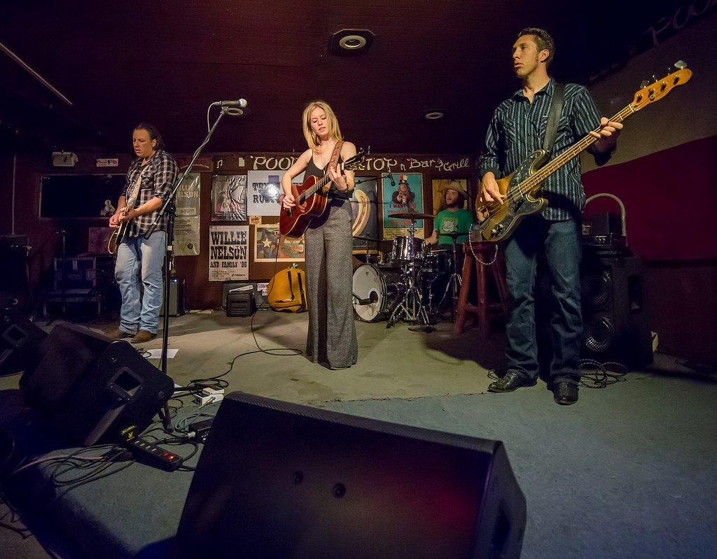 Poodie's Roadhouse - Lake Travis TX 04