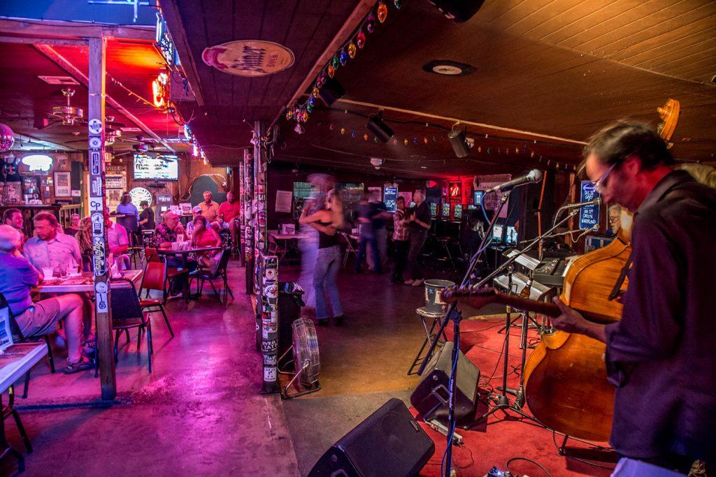 Poodie's Roadhouse - Lake Travis TX 09