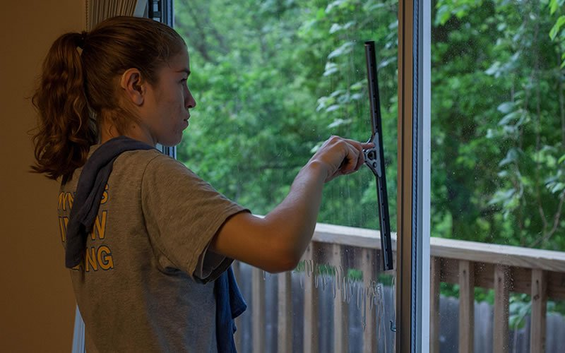 Gwyndows Windows - Lake Travis Window Cleaning