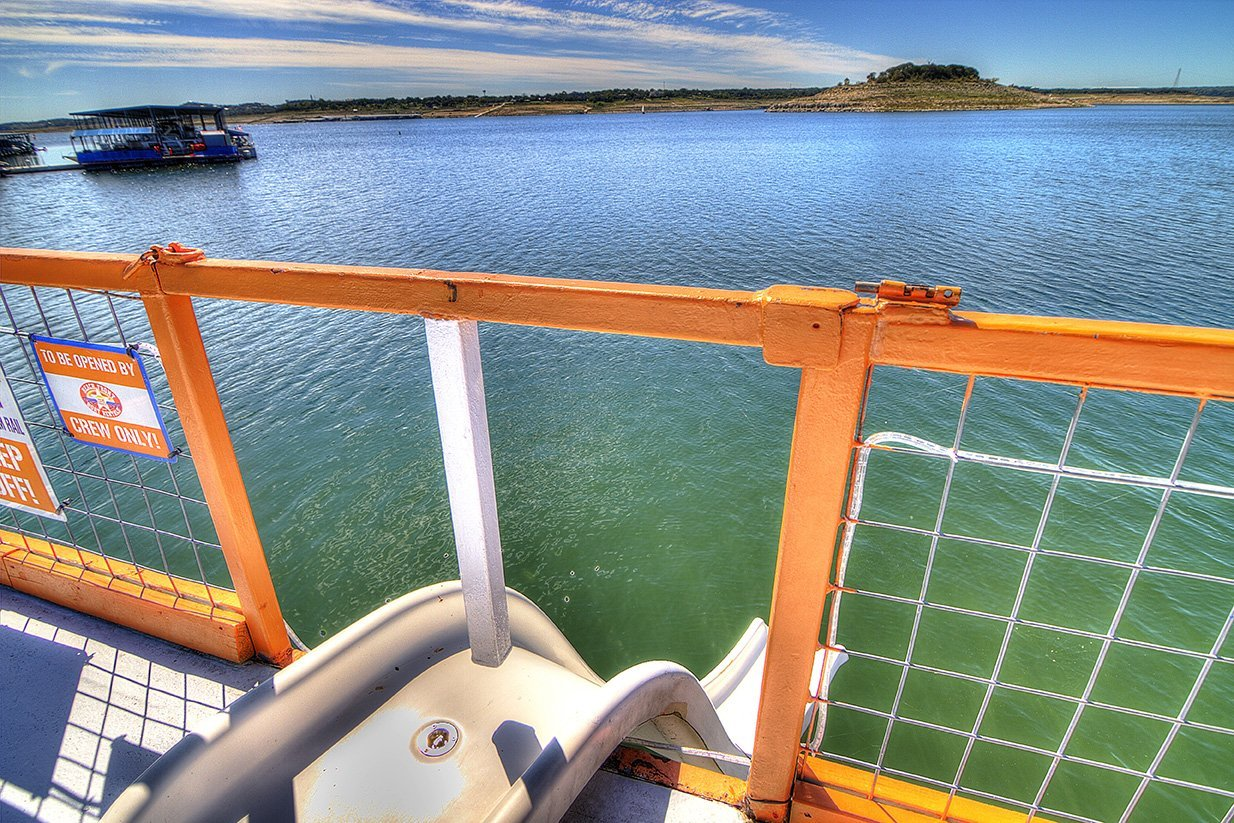 Beachfront Boat Rentals - Lake Travis Party Barges