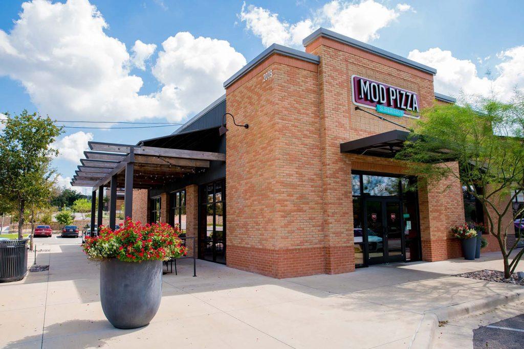 The Oaks at Lakeway - Lake Travis Shopping Center