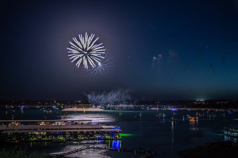 Lake Travis July 3rd fireworks on Starnes Island.  Photo: Will Taylor - LakeTravis.com