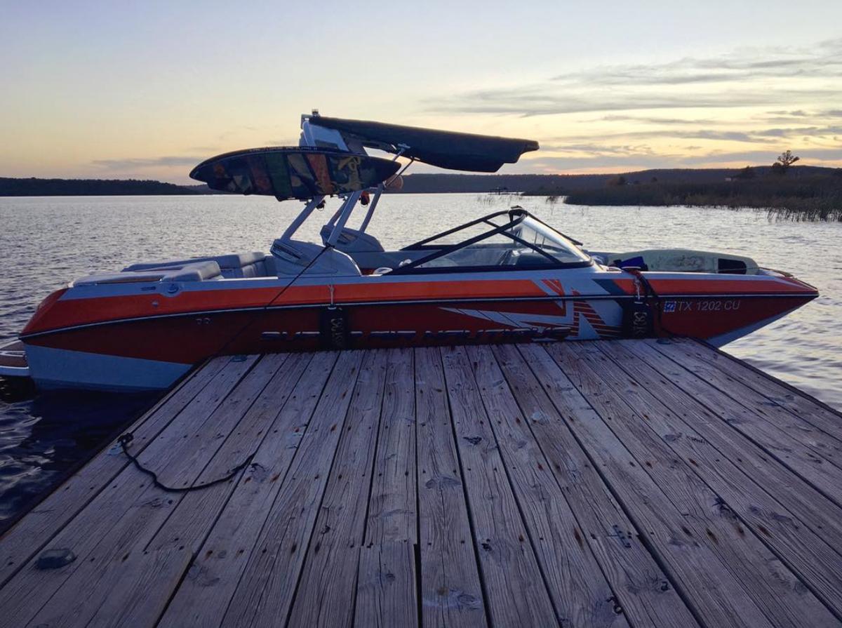ATX Boat Rentals - Super Air Nautique G23