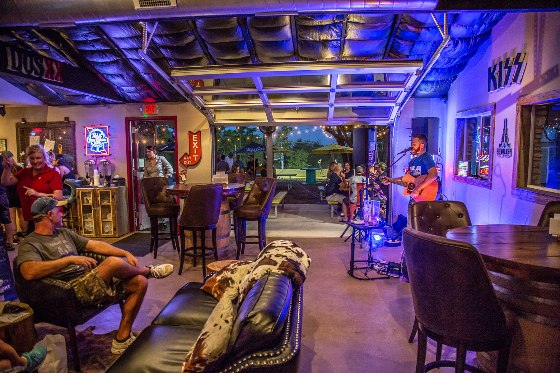Live music inside at Rock House Bar and Food Trailer Park.  Photo: Will Taylor - LakeTravis.com