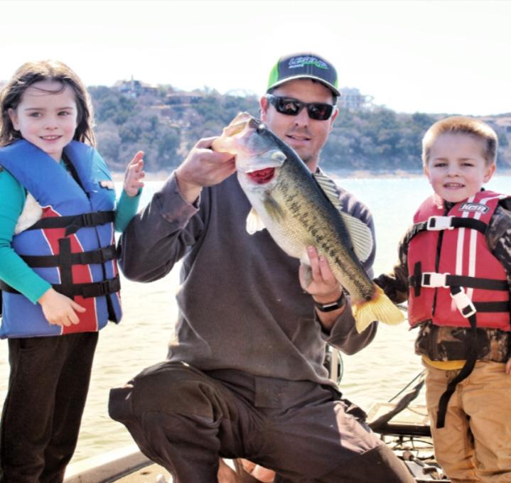 Lake Travis Fishing Guide