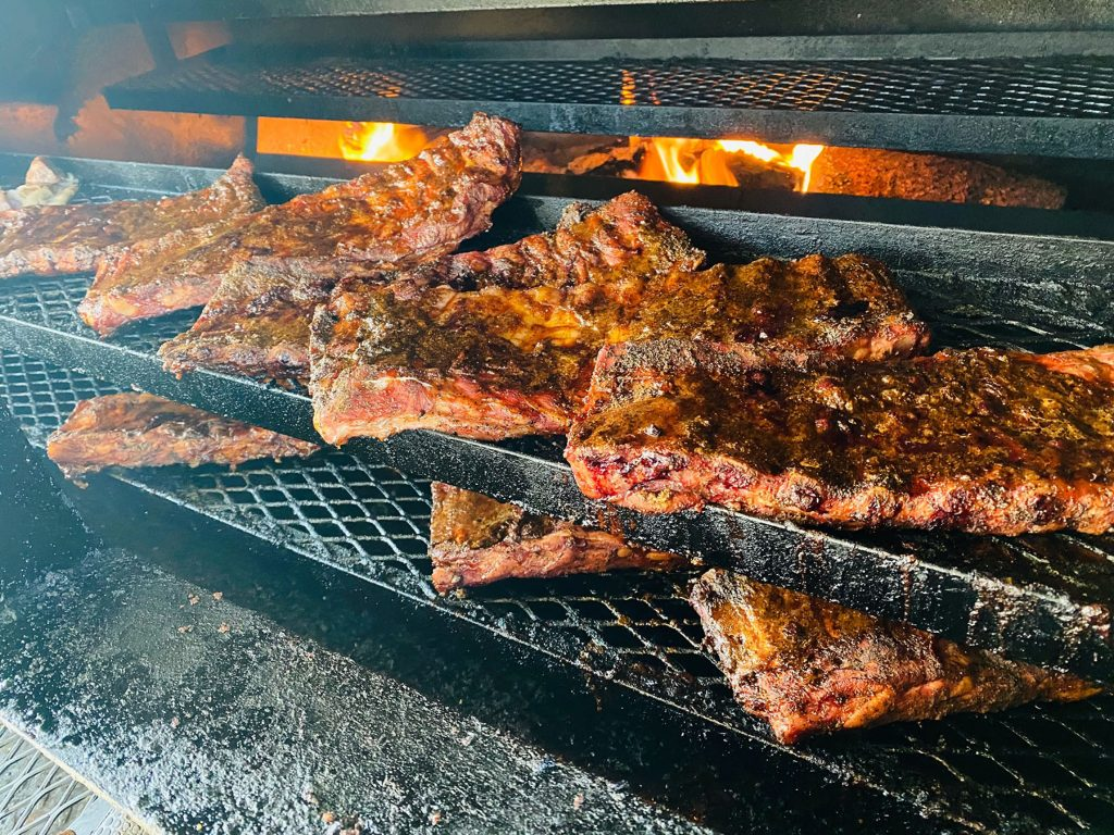 Best Dam BBQ Joint - Lake Travis Barbecue in Hudson Bend