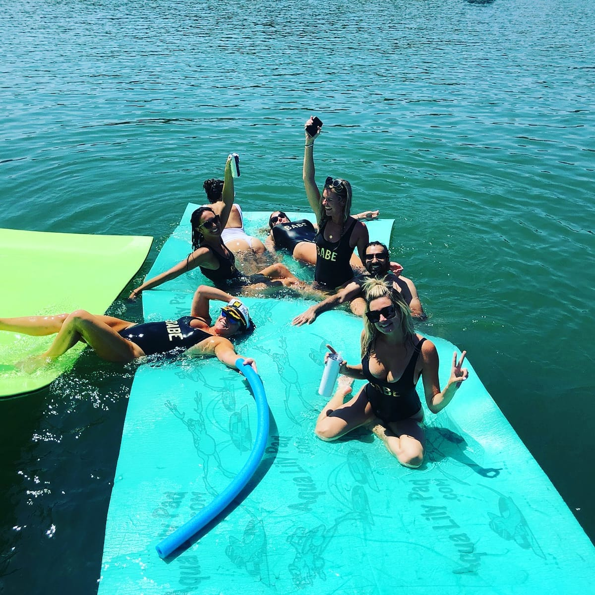 Island Pontoon Rentals - Lake Travis Pontoon Boat Rentals