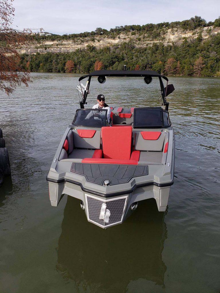 Happy Hour Boat Rentals - Lake Austin and Lake Travis Boat Rentals