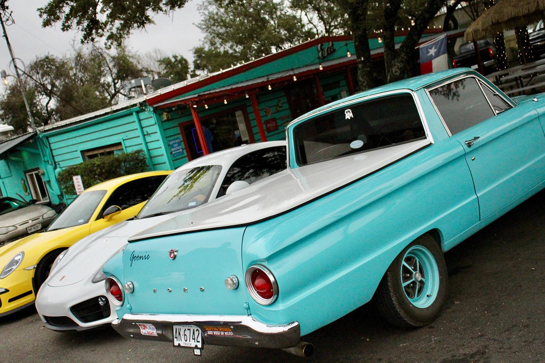 Sandeez Hamburger Hut Classic Car Show